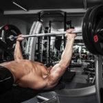 Шесть ошибок при жиме лежа при наборе мышечной массы