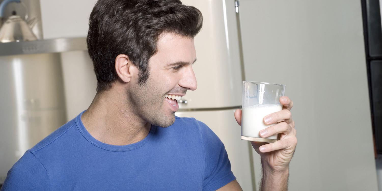 Как принимать молоко для набора мышечной массы