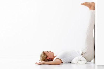 упражнение ноги вверх вдоль стены