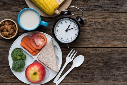 для сов и жаворонков важен самоконтроль в питании